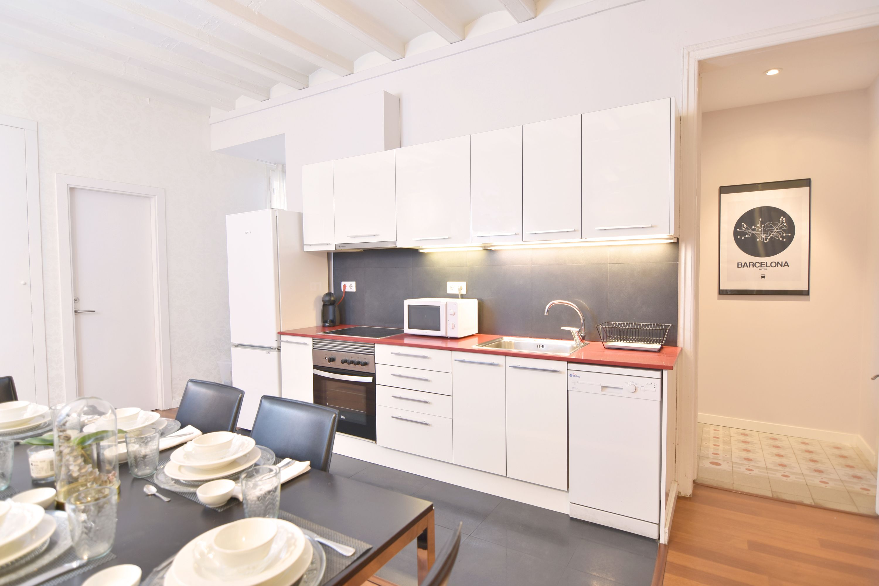 9. Cocina Comedor - Kitchen and Dining room | 1840 Apartments